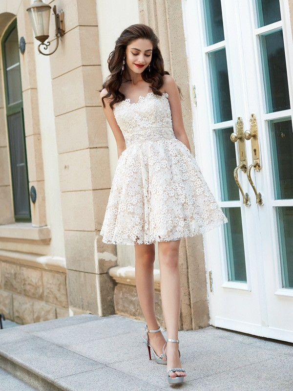 A-Line/Princess Sweetheart Lace Sleeveless Short/Mini Homecoming Dresses