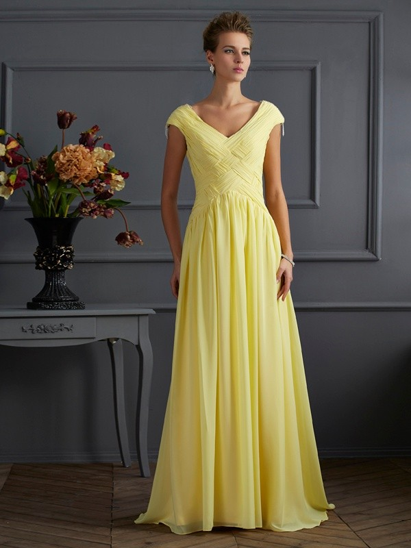 A-Line/Princess V-neck Chiffon Short Sleeves Sweep/Brush Train Dresses