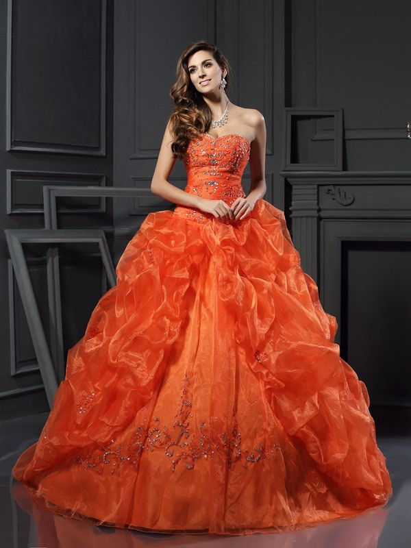 Ball Gown Sweetheart Organza Sleeveless Court Train Dresses
