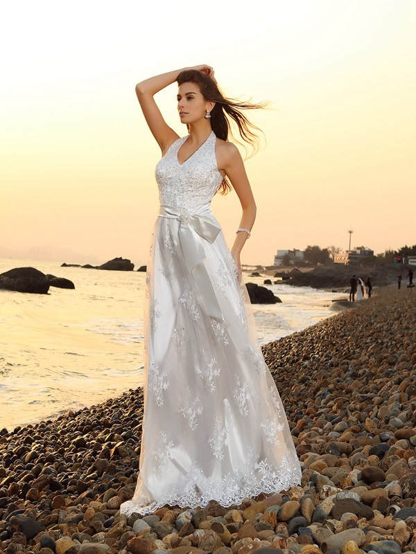 A-Line/Princess Halter Lace Sleeveless Chapel Train Wedding Dresses