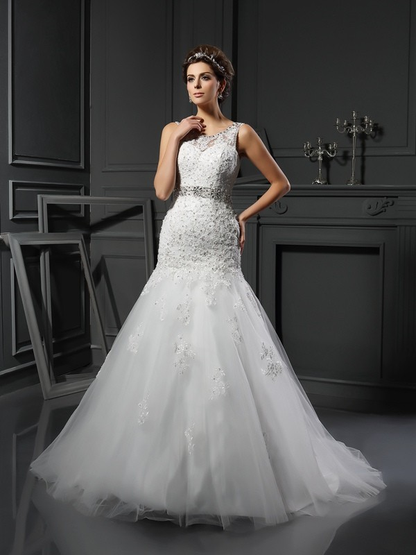 Sheath/Column Scoop Net Sleeveless Court Train Wedding Dresses