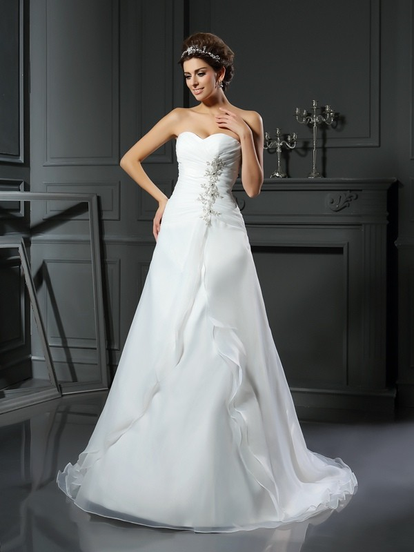 A-Line/Princess Sweetheart Satin Sleeveless Chapel Train Wedding Dresses