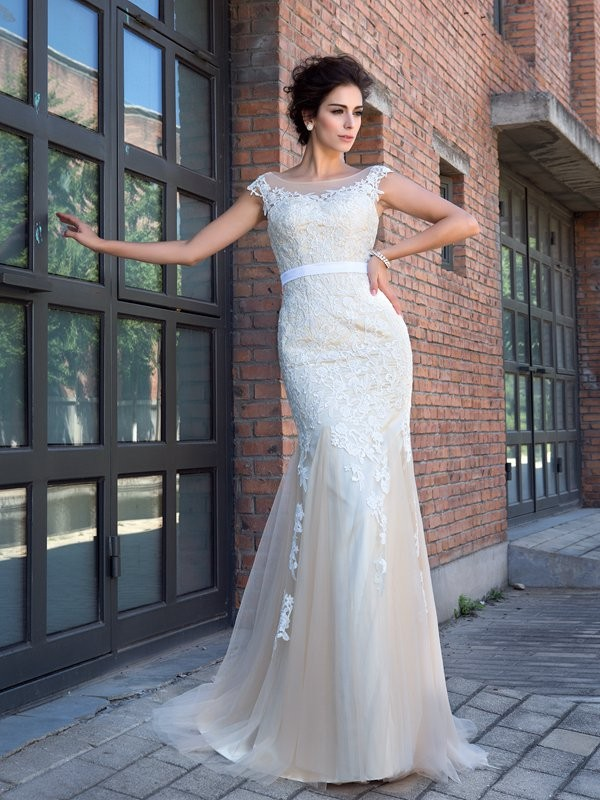 Trumpet/Mermaid Sheer Neck Net Short Sleeves Sweep/Brush Train Prom Dresses