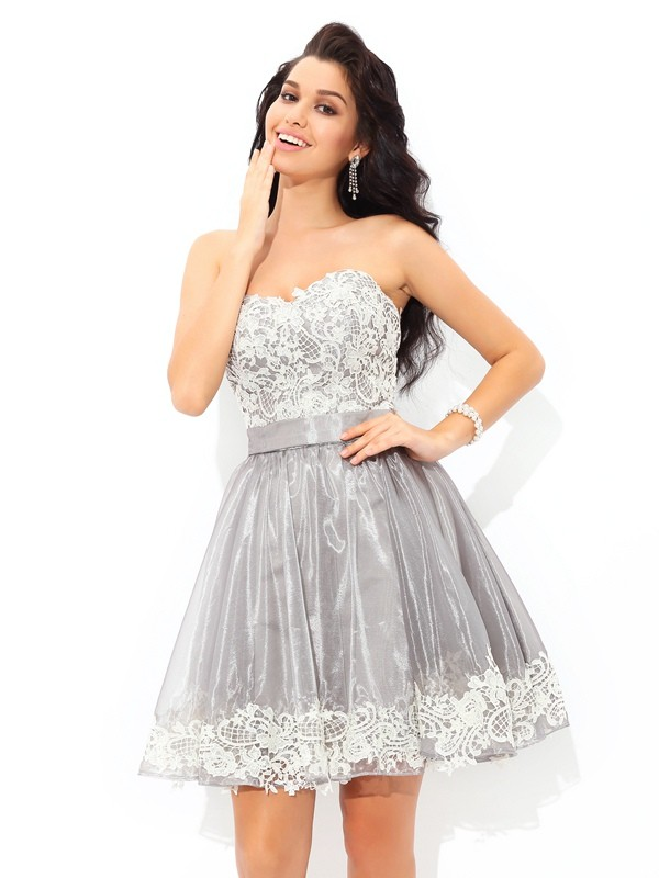 A-Line/Princess Sweetheart Tulle Sleeveless Short/Mini Cocktail Dresses