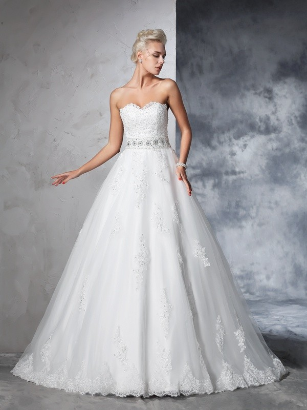 Ball Gown Sweetheart Net Sleeveless Chapel Train Wedding Dresses