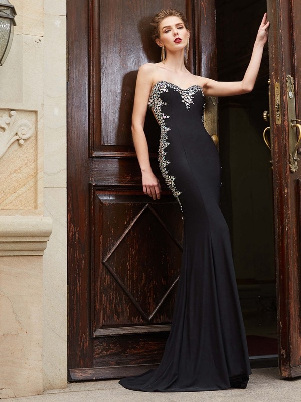 Sheath/Column Sweetheart Spandex Sleeveless Sweep/Brush Train Prom Dresses