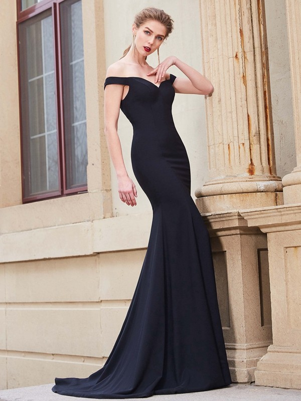 Trumpet/Mermaid Off-the-Shoulder Satin Sleeveless Sweep/Brush Train Prom Dresses