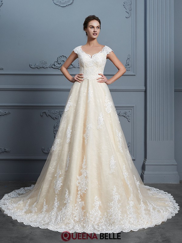 Ball Gown Sweetheart Lace Sleeveless Court Train Wedding Dresses