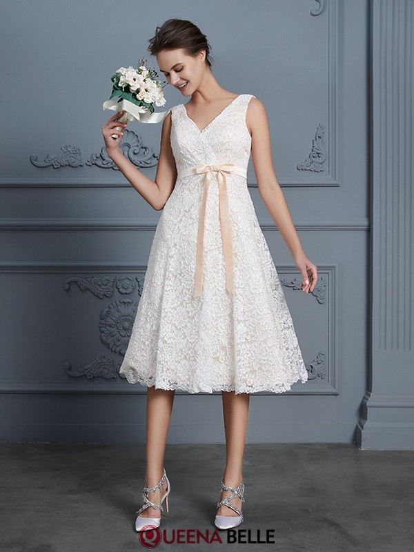 A-Line/Princess V-neck Lace Sleeveless Knee-Length Wedding Dresses