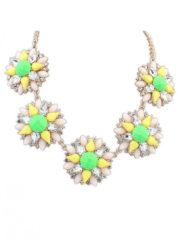 The Most Fashionable Occident Street shooting Popular Flowers Hot Sale Necklace