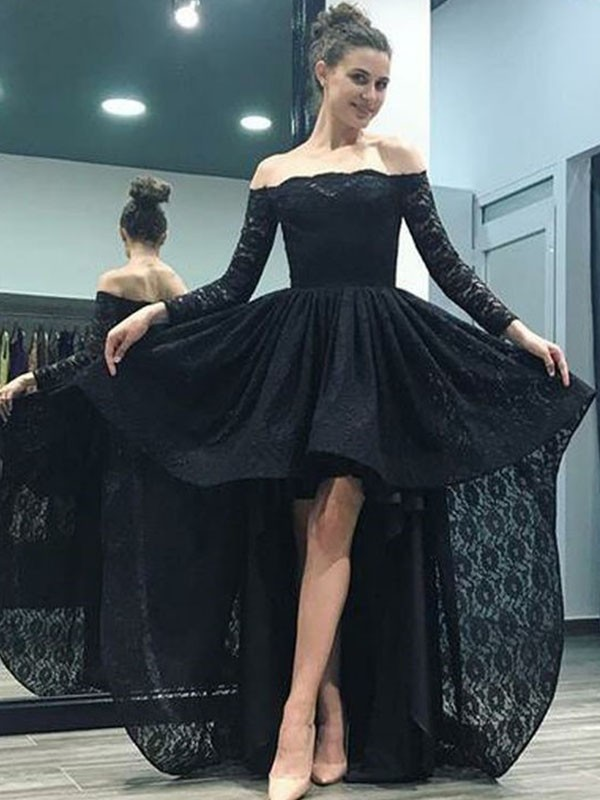 A-Line/Princess Off-the-Shoulder Lace Long Sleeves Sweep/Brush Train Dresses
