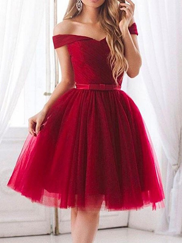 A-Line/Princess Off-the-Shoulder Tulle Sleeveless Knee-Length Dresses