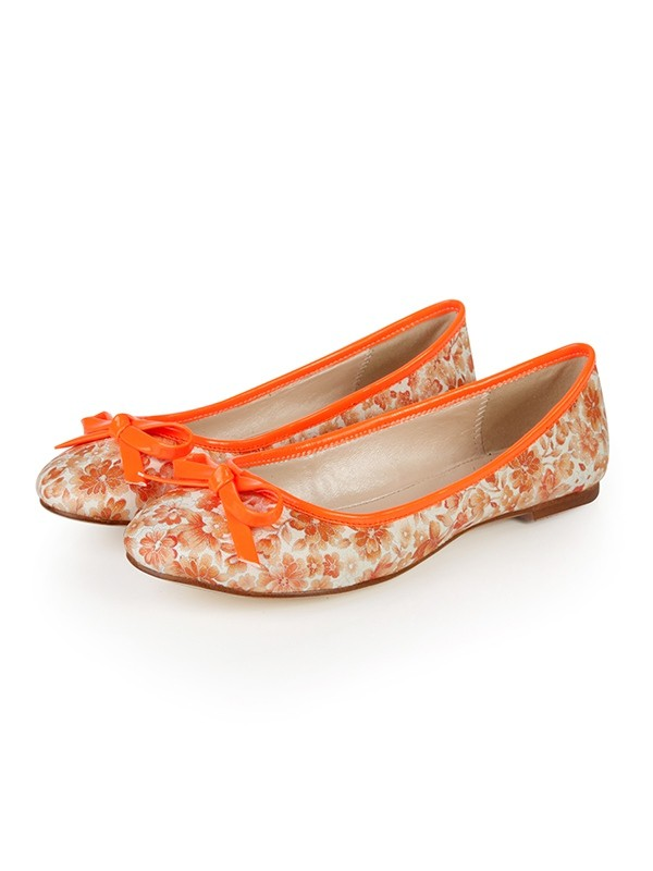 The Most Fashionable Women's Flat Heel Closed Toe With Bowknot Flat Shoes